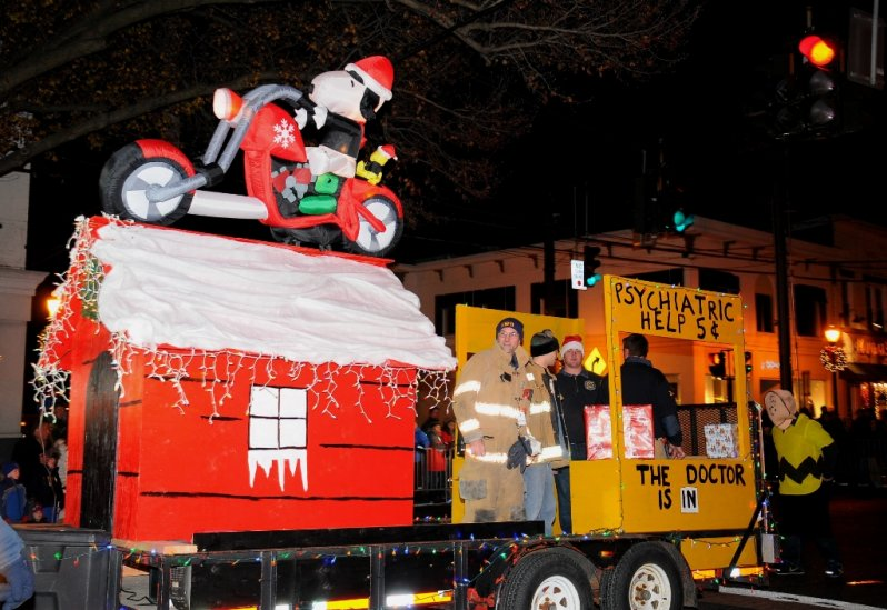 holiday-parade-east-northport