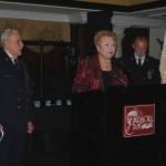 Jo-Ann Raia gives awards