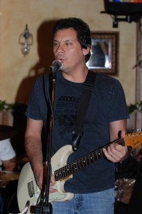 Legendary guitarist Mike Flyntz
