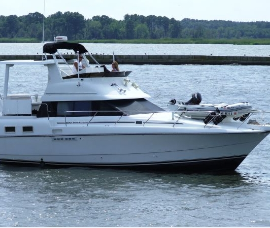 Boat Capsizes Near Lloyd Harbor: 3 Confirmed Dead