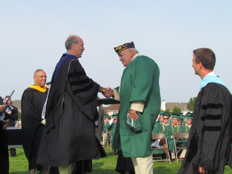 harborfields-graduation-2013-4