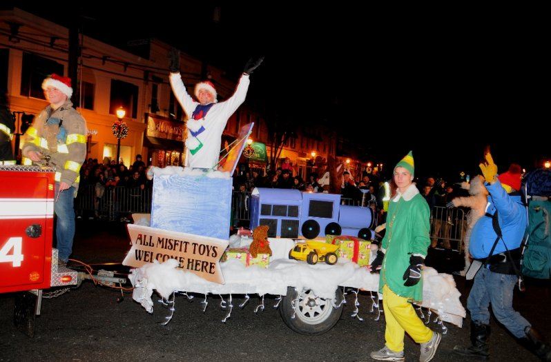 holiday-parade-centerport