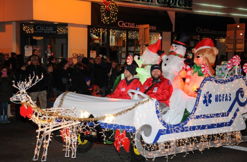 holiday-parade-hcfas