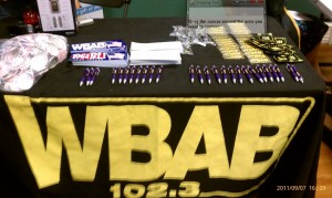 WBAB Gives out goodies!
