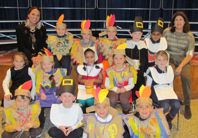 Elwood School Celebrating Thanksgiving